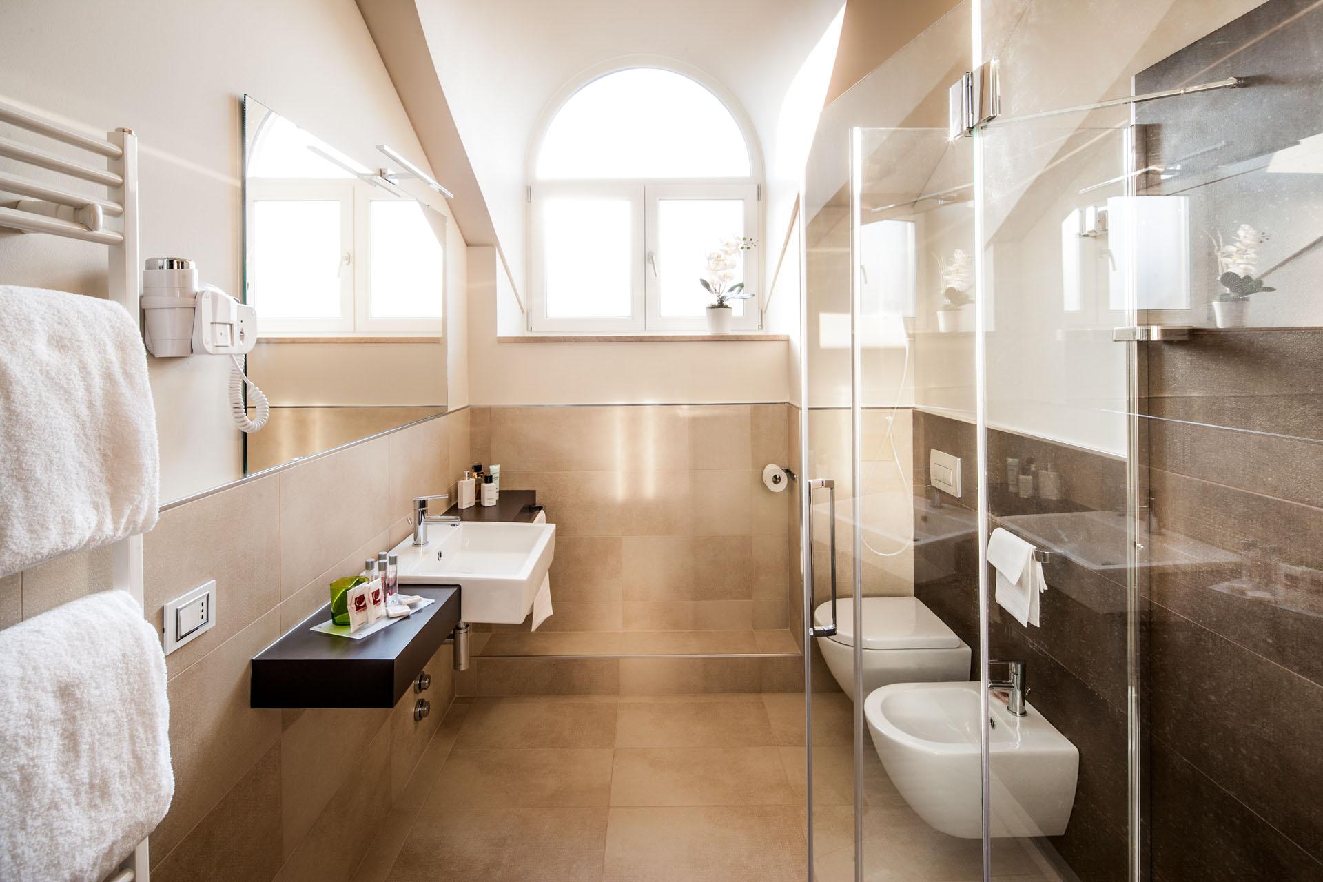 Design Bagno Torino : Camere panoramiche torino vista mole antonelliana